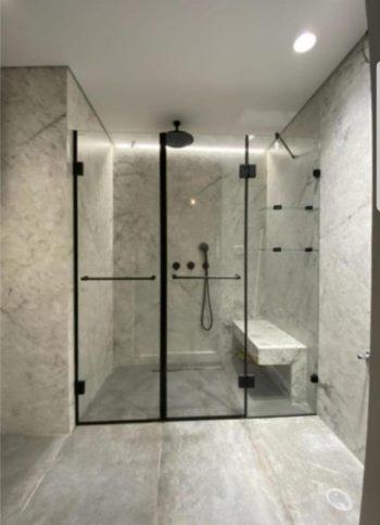 מקלחון חזית אתונה